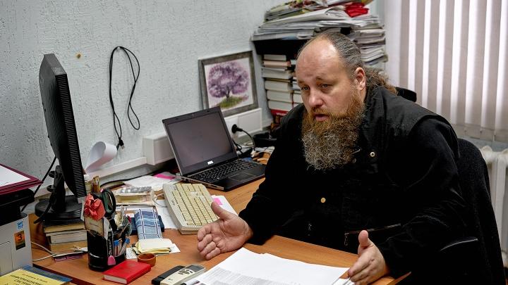 Программист в рясе: омский священник работает в политехе и помогает студенткам с замужеством