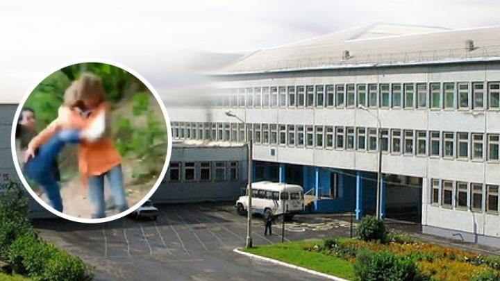 Избившая одноклассницу из-за 25 рублей школьница получила срок
