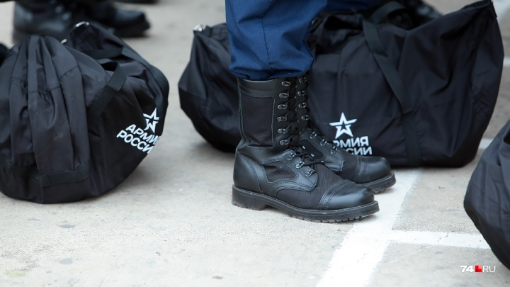 «Не принято убираться»: в Челябинской области рядового отправили на гауптвахту за отказ мыть полы