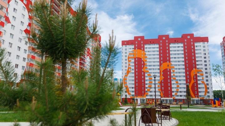 На левом берегу продолжают строительство масштабного жилого комплекса