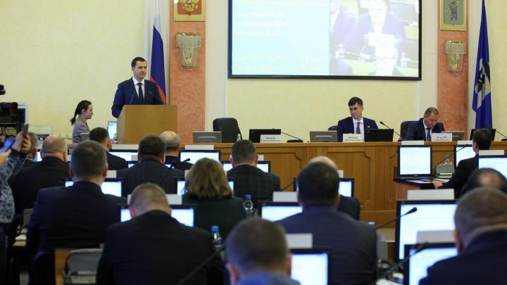 Селфи, «Пикабу» и тачки: чем на самом деле занимаются депутаты на выборах мэра Ярославля