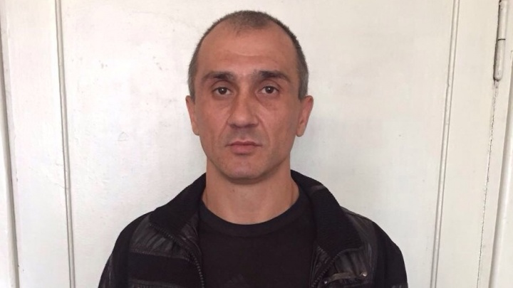 В Екатеринбурге задержали хулигана, который проколол колёса у 31 машины
