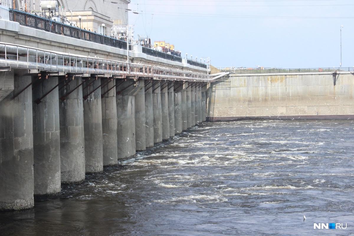Новые ограничения для авто ввели намосту Нижегородской ГЭС