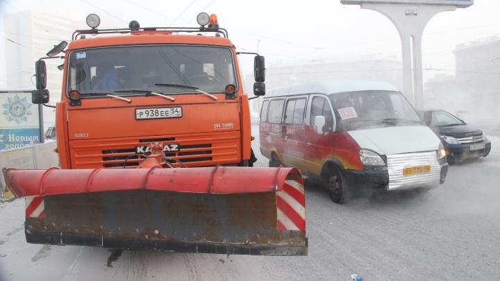 Дорожники потратят 210 миллионов на КамАЗы со щётками для областных трасс