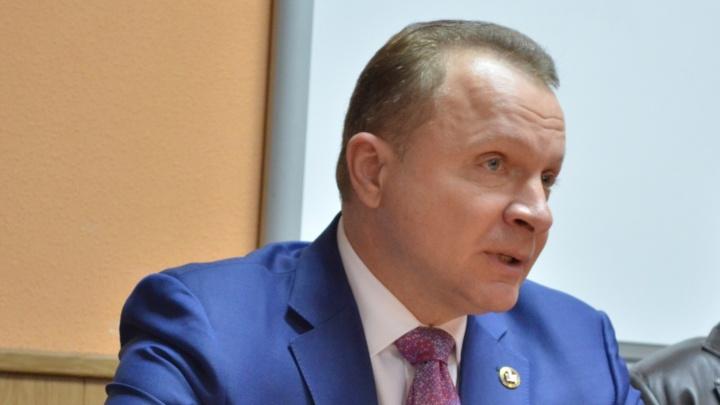 Прокуратуру просят проверить ситуацию с присвоением звания доцента и. о. ректора КГУ