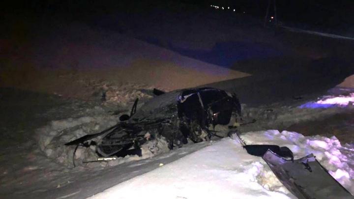 В Башкирии Mazda6 врезалась в снегоуборщик: водитель в больнице