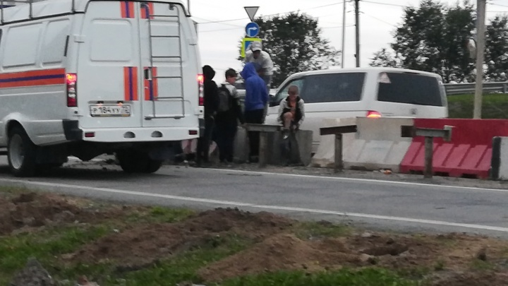 На пермяковском мосту ребенок провалился в яму