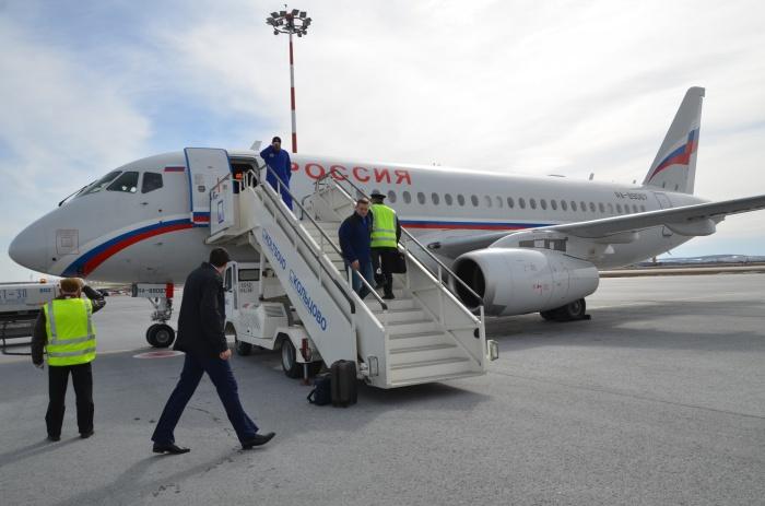 Спецборт МЧС России, который осуществлял санитарный рейс, оснащён современным медицинским оборудованием