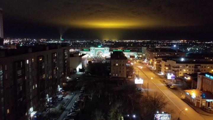 Видно за десятки километров: огненное облако над Новосибирском снова будоражит горожан