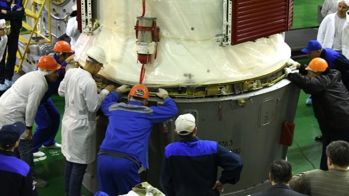 Самарскую ракету-носитель «Союз-ФГ» подготовили к запуску с Байконура