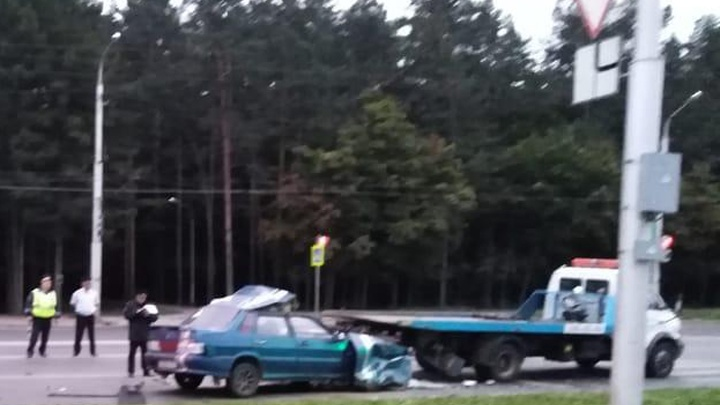Водитель был без прав: стали известны подробности столкновения ВАЗ-2115 с эвакуатором в Уфе