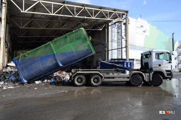 В один мультилифт входит столько же отходов, сколько в пять мусоровозов