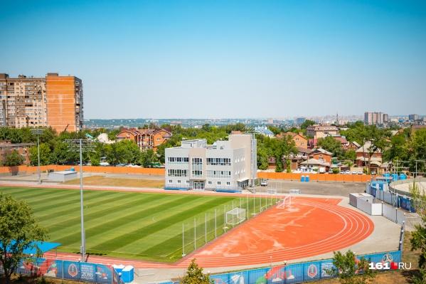 К 2020 году натуральный газон на стадионе «Локомотив» заменят на искусственный с подогревом