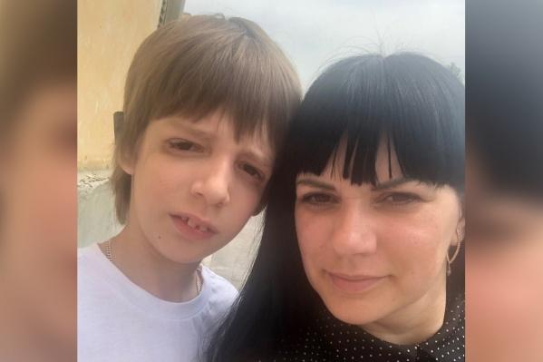 В начале года у мальчика нашли опухоль при имеющемся тяжёлом заболевании