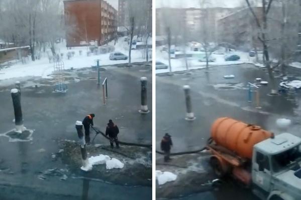 Наводнение во дворах на улице Романенко имело затяжные последствия для местных жителей. Прошло три дня, а отопление всё ещё не работает