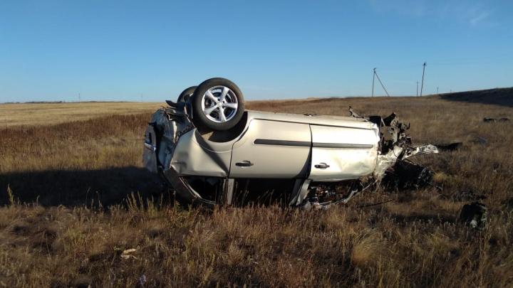Водитель и пассажир погибли на трассе в Башкирии: оба автомобиля улетели в кювет