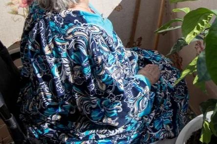 Ростовские спасатели подняли упавшую с кровати 130-килограммовую пенсионерку