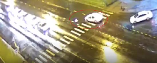 Сбил и уехал: в Ярославской области девочка попала под колёса такси