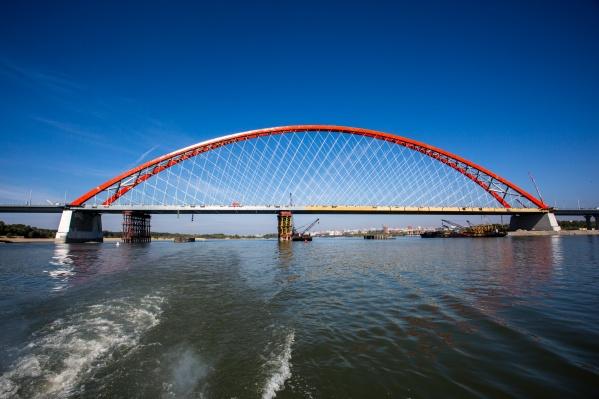 Компаниястроила Бугринский мост, Восточный обход и занималась ремонтом десятка городских улиц