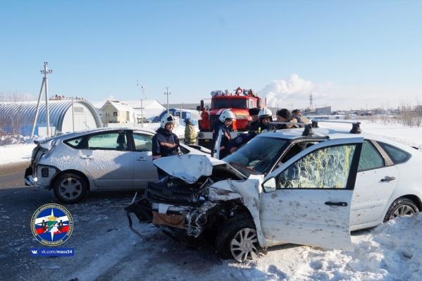 Пассажиры столкнувшихся автомобилей получили ушибы