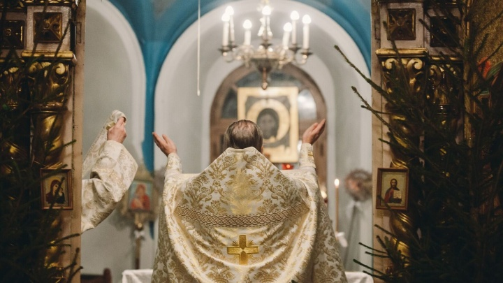 Рождество в 12 кадрах: смотрим, как верующие тюменцы встретили праздник в Знаменском соборе