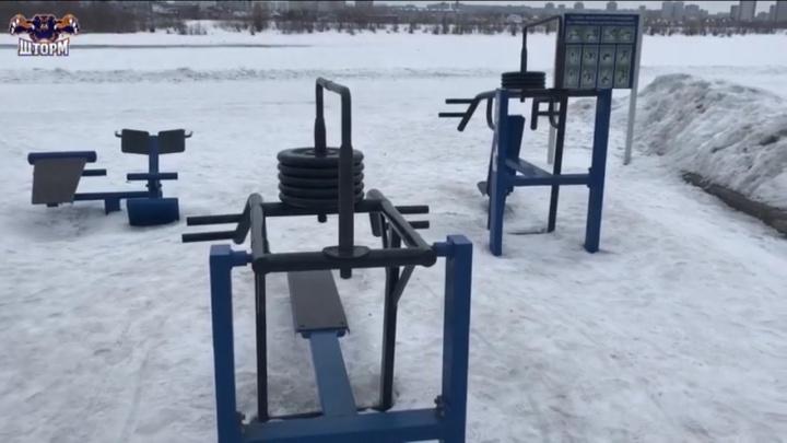 Александр Шлеменко пристыдил омичей, которые своровали блины со спортплощадки