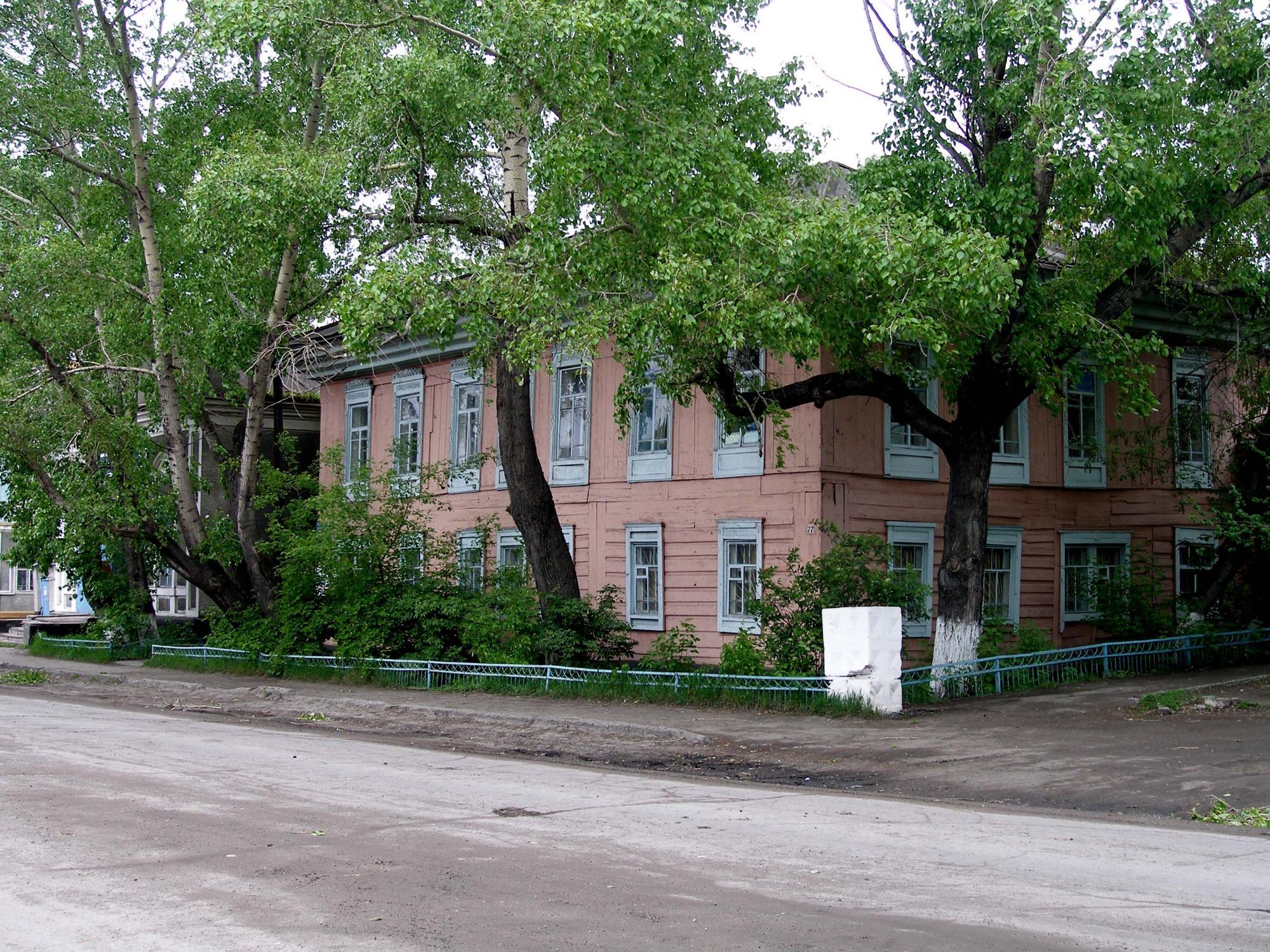 Районный краеведческий музей им. П.М. Пономаренко —дом купца Кочугова