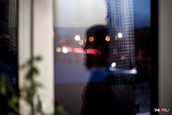 Вадим/Асхаб Абаев — общий знакомый предполагаемых погибших в маршрутке. Он отпустил бороду в тюрьме, когда пришёл к исламу