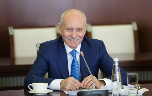 Рустэм Хамитов поздравил женщин Башкирии с 8 Марта