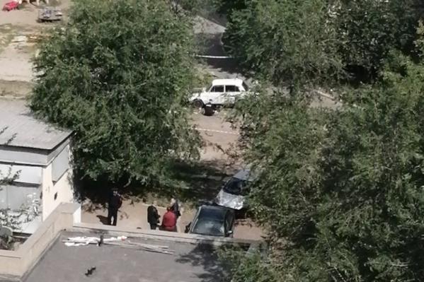 Инцидент произошёл утром 7 августа во дворе дома № 51 на улице Советской Армии