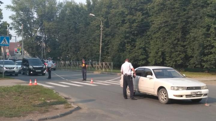 Автомобиль сбил ребёнка, переходившего дорогу по пешеходному переходу