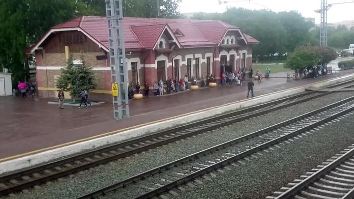 На вокзале в Бердске поезд насмерть сбил мужчину