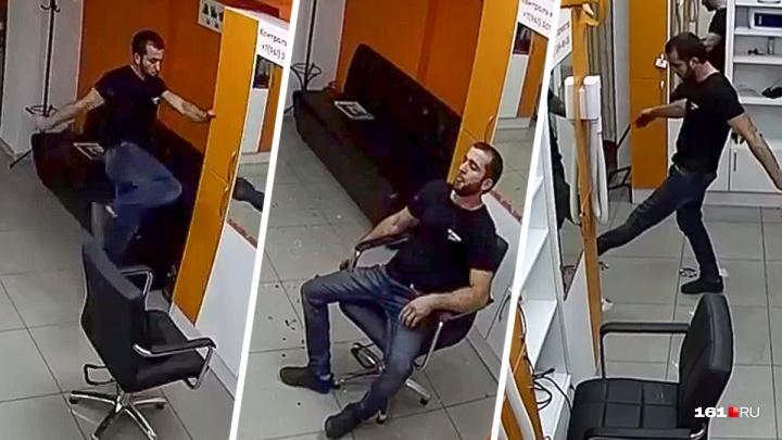 Избил двоих: в салон красоты на Добровольского ворвался мужчина и устроил погром