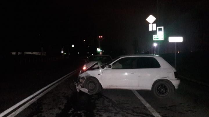 Водитель Suzuki попал в больницу после ночного ДТП с двумя машинами на Первомайской