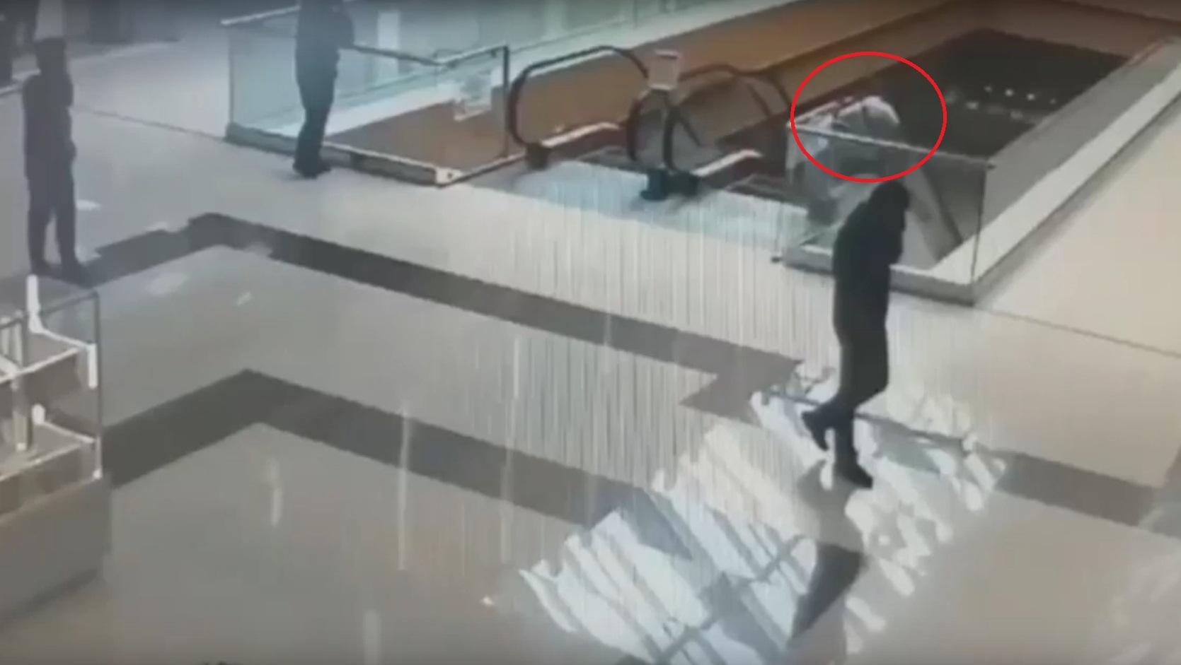 Отец Колозяна заявляет, что виновник конфликта ушел из торгового центра незадолго до стрельбы