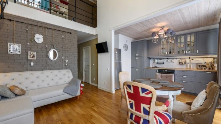 Сразу два: подборка двухуровневых квартир (фото)