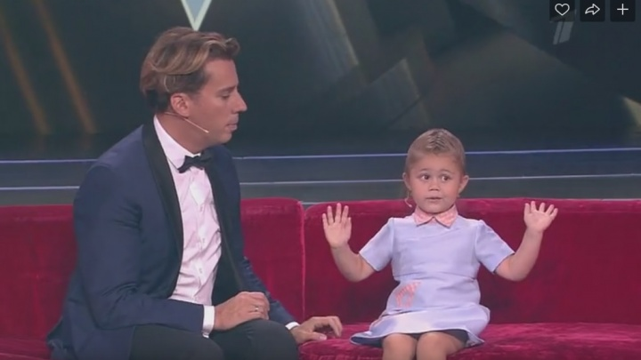«Я талантливая, скромная. И красивая»: 3-летняя жительница Самары покорила зрителей шоу «Лучше всех»