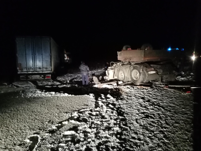 Водитель КАМАЗа погиб на месте