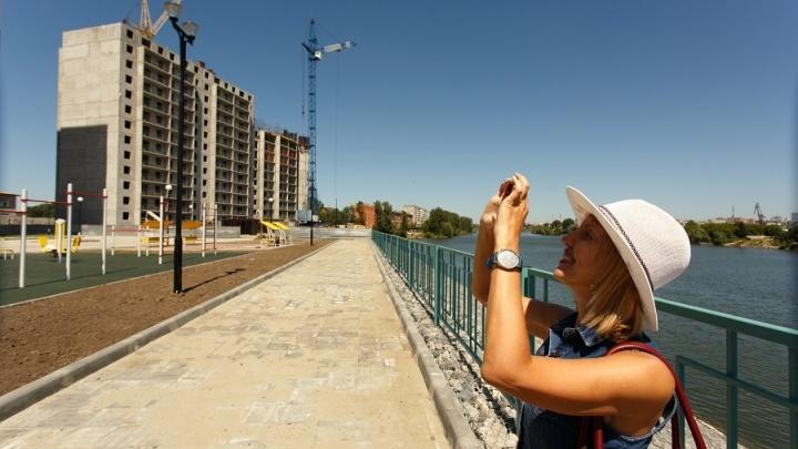 Известный застройщик строит большой комплекс с красивой набережной: скоро сдадут школу и сад