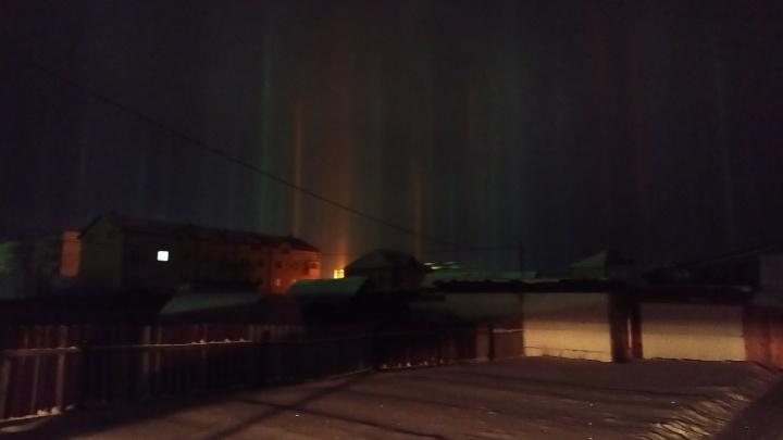 Под Тюменью ночью заметили необычное явление в небе