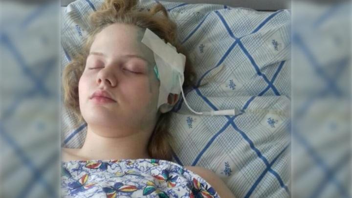 В Тюмени провели экспертизу по делу школьницы, которую лечили каплями вместо операции
