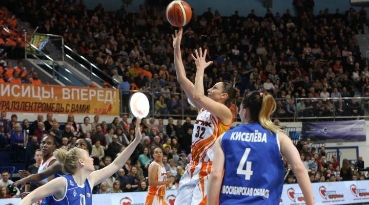 Баскетболистки УГМК вышли в полуфинал чемпионата России, обыграв соперниц с двукратным перевесом