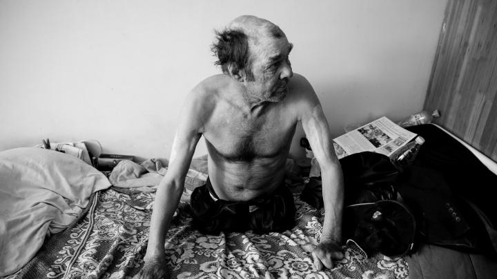 Предательство детей, мошенничество и криминал: истории трех мужчин, попавших в тюменский соццентр