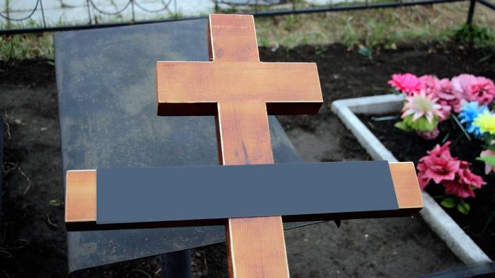 Два молодых жителя области воровали надгробия с могил, чтобы сдать их на металлом
