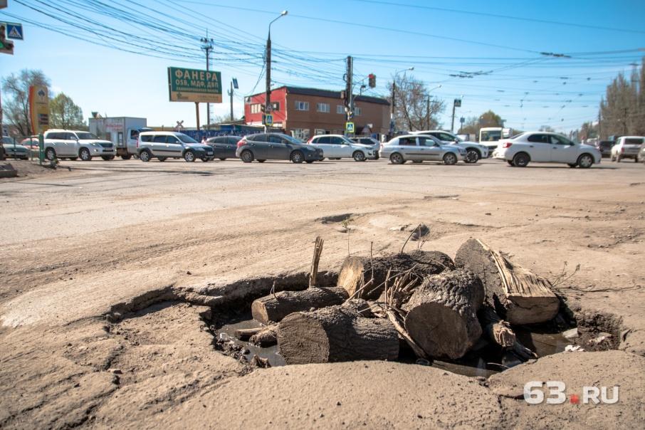 Заводское шоссе требует срочного ремонта
