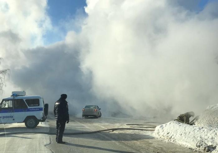 На Мочищенском шоссе сейчас сильный дым