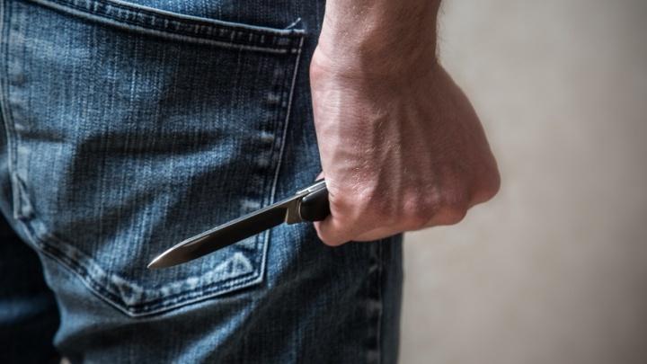 Уфимец вызвал девушку для личной встречи, а получил удар ножом