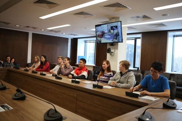 Школьники смогли задать свои вопросы космонавту Олегу Кононенко