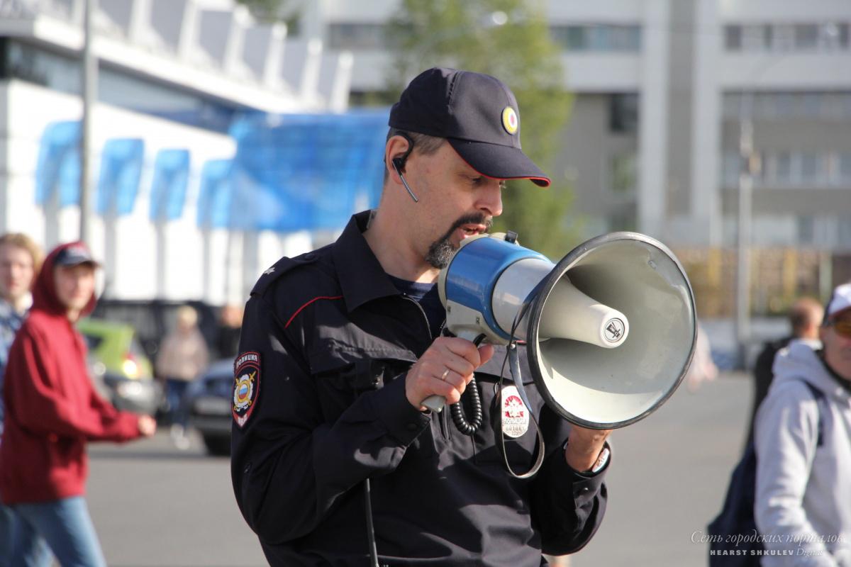 Майор Огорелков: «[Организаторы митинга] думали, что закон есть, но он существует в какой-то параллельной вселенной»