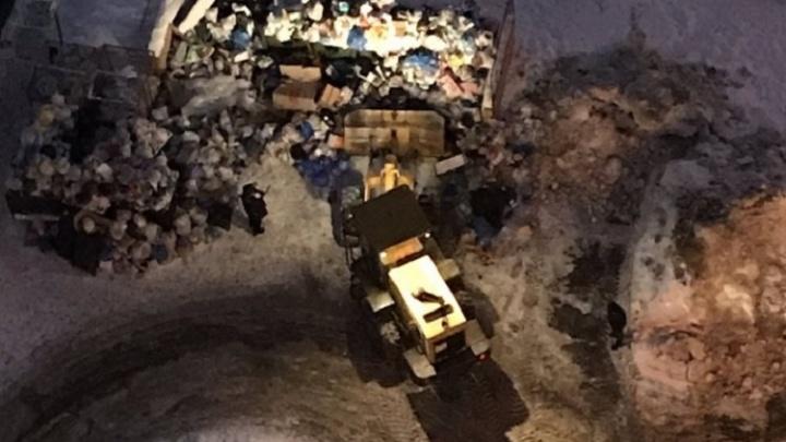 «Мусор стали убирать даже лучше»: Азаров о новой системе вывоза отходов в Самарской области
